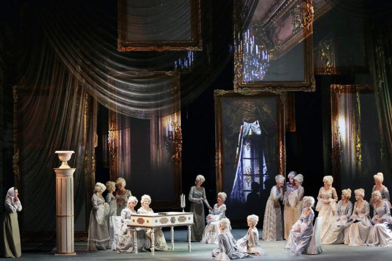 """Опера Петра Чайковского """"Пиковая дама"""", в трех действиях"""