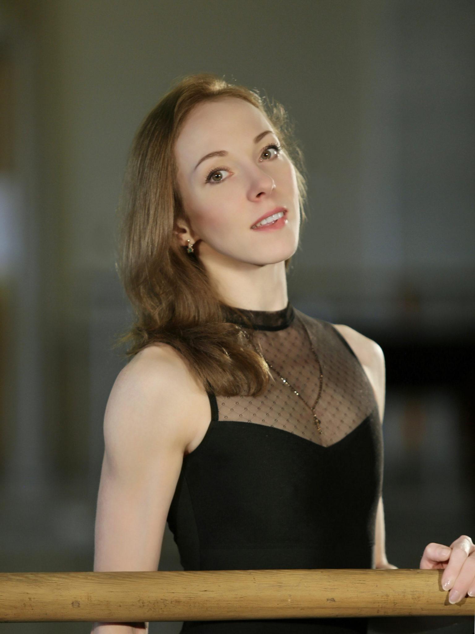 Онищенко Елена Викторовна - ведущая солистка