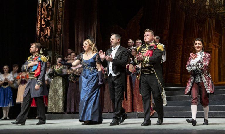 Донбасс Опера показала «Бал-маскарад» в Москве