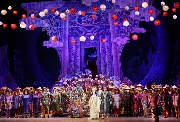 Опера «Турандот» на сцене Донбасс Оперы