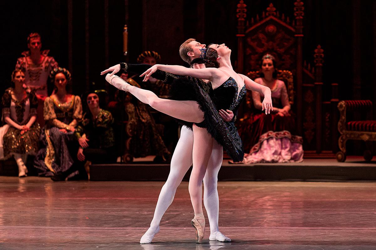 Донбасс Опера - Донецкий государственный академический театр оперы и балета имени А.Б. Соловьяненко
